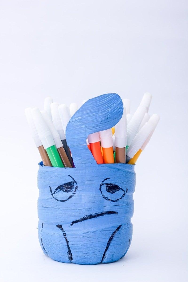 Tempat pensil dari botol bekas