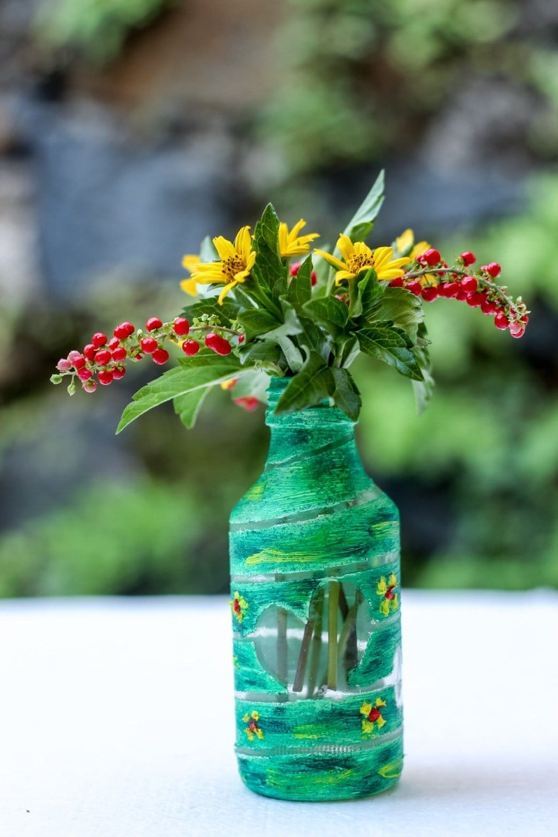 Vas bunga cantik dari botol bekas